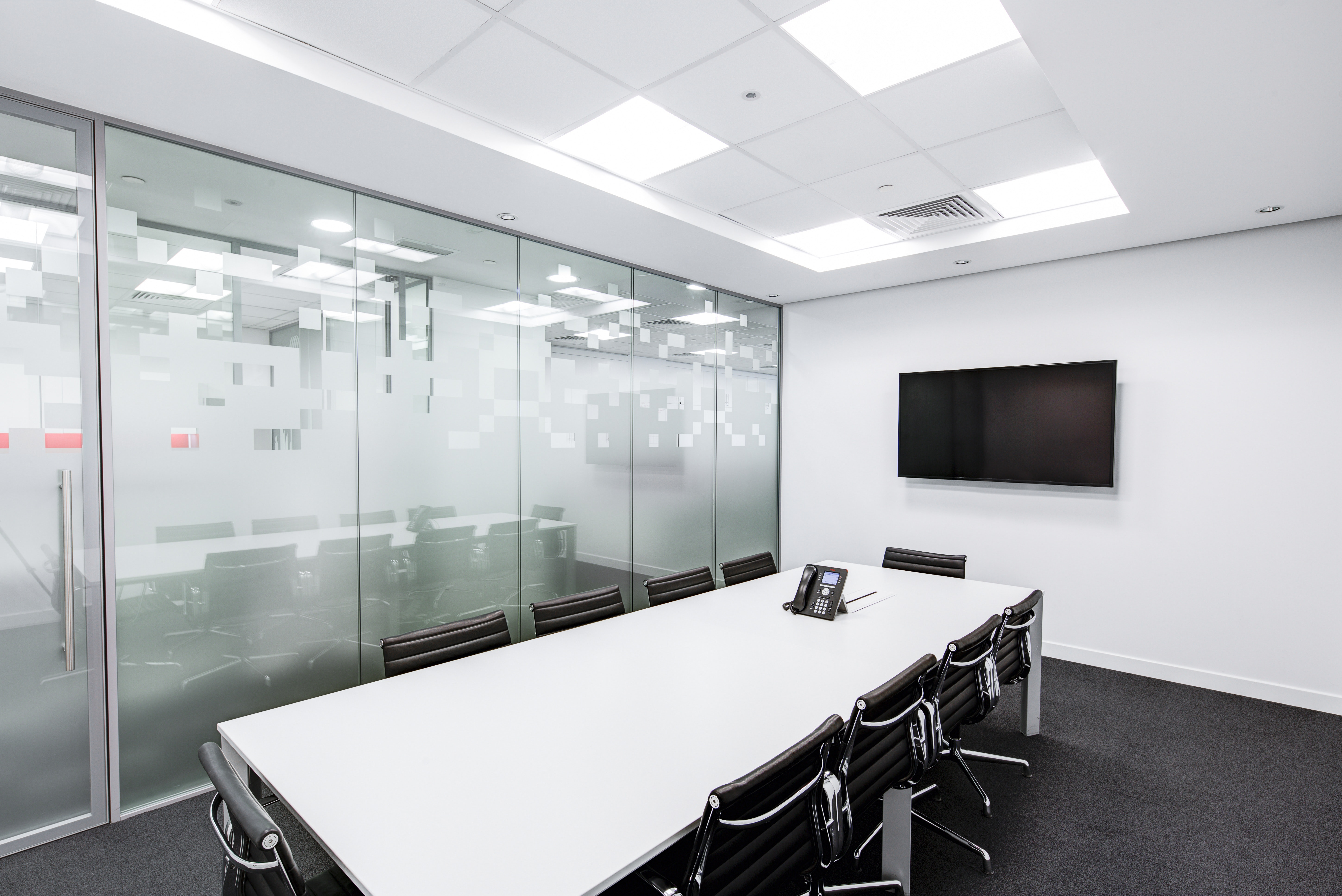 black-and-white-boardroom-ceiling-260689